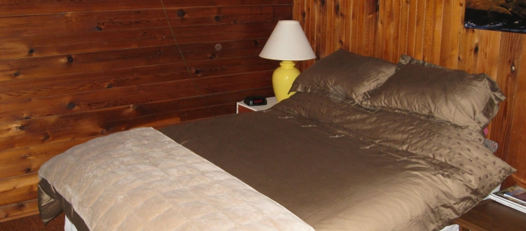 surf-lodge-1-queen-room-4-001